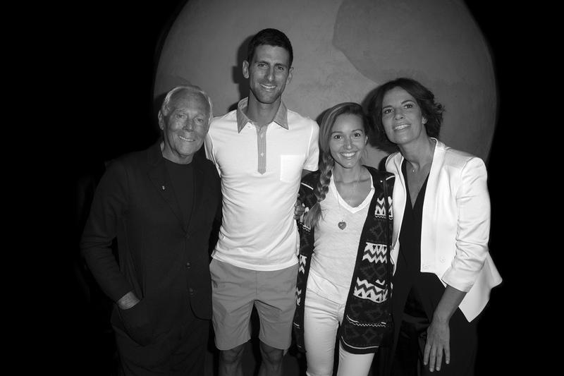 Οι Giorgio Armani, Novak Djokovic, Jelena Djokovic και Roberta Armani, στην έκθεση.