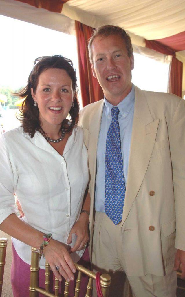 Με την πρώην σύζυγο του Penny.