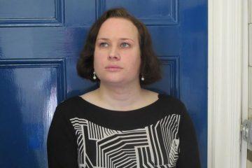 Τρανς συγγραφέας από το Horley πολύ υπερήφανη για την υποψηφιότητα της για κορυφαίο βραβείο βιβλίου