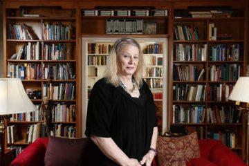 Καθηγήτρια στην Iowa μιλάει για τη ζωή μετά τη μετάβασή της που έγινε πρωτοσέλιδο
