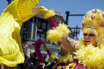 Τράμπ και Χίλαρι στην παρέλαση drag queen στην Ουάσινγκτον