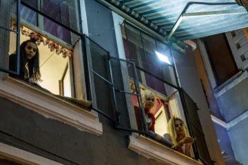Ένας τρανς οίκος ανοχής στην γειτονιά Tarlabasi της Ιστανμπούλ | Nathalie Bertrams/PRI
