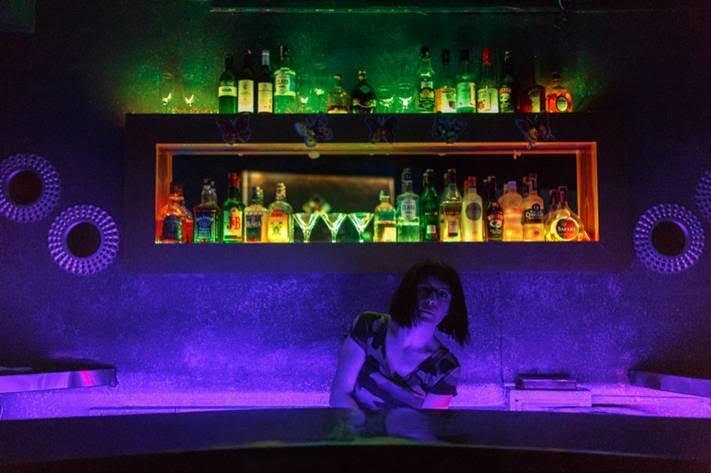 Arya Tan, η 30χρονη μάνατζερ του μπαρ No Name στην Ιστανμπούλ | Nathalie Bertrams/PRI