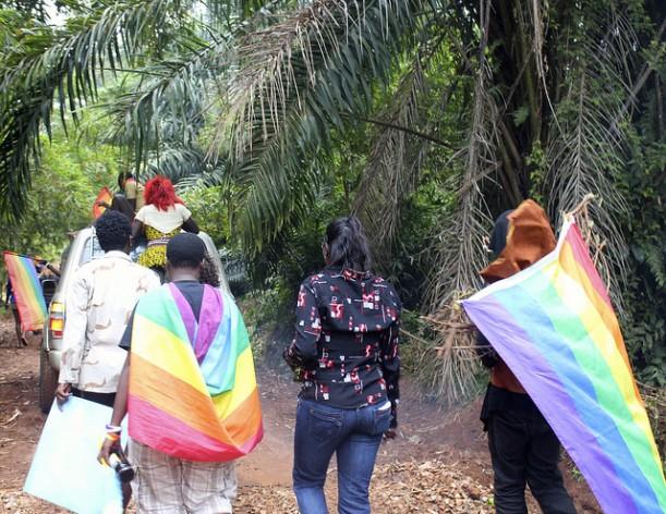 LGBT άτομα συμμετάσχουν στη gay pride παρέλαση στην Uganda, μια από τις χώρες που οι πρόσφυγες LGBT αντιμετωπίζουν βία. Φωτογραφία της Amy Fallon/IPS