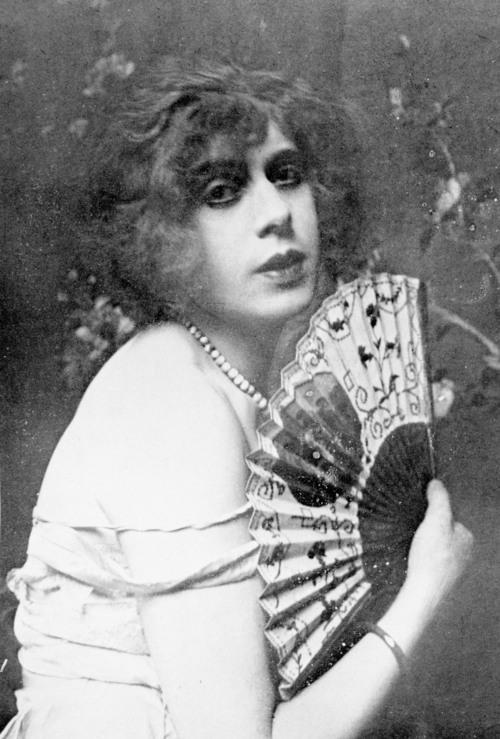 [Φωτογραφία: Πορτρέτο της Lili Elbe (1882-1931).]