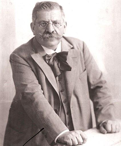 [Φωτογραφία: Ο Δρ. Magnus Hirschfeld]