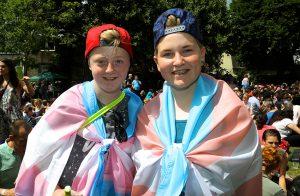 Το Ηνωμένο Βασίλειο θα μειώσει την ηλικία νομικής αναγνώρισης των τρανς ατόμων στα 16.
