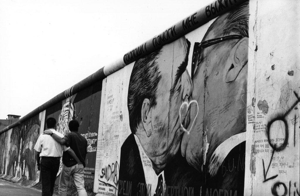 Η Γερμανία θα αποζημιώσει τους 50.000 γκέι που φυλάκισε μετά τον πόλεμο