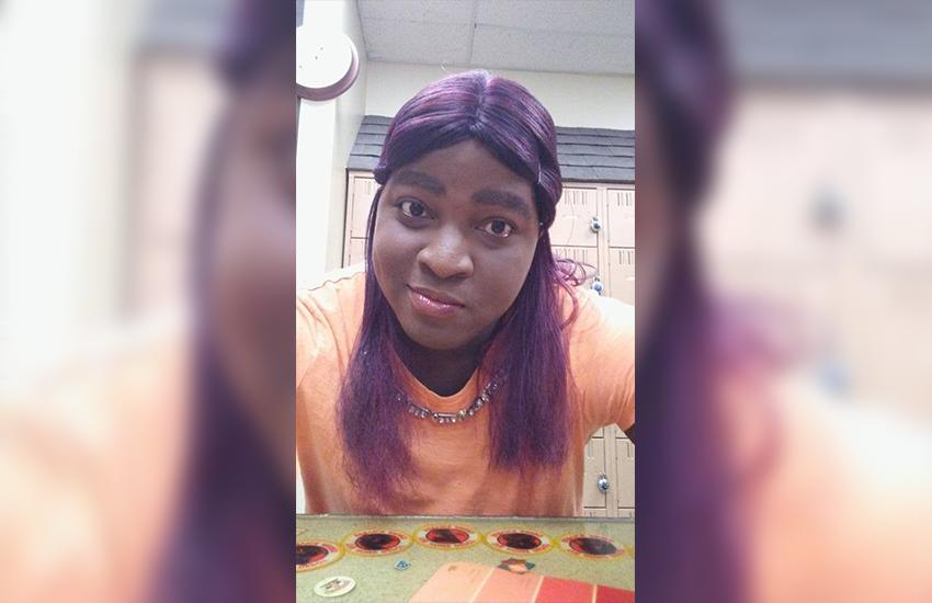 Τρανς γυναίκα βρέθηκε νεκρή με το κεφάλι της τυλιγμένο μέσα σε πλαστική σακούλα.