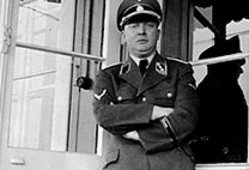 Ο Ναζί γιατρός Friedrich Mennecke που αυτός επέλεγε τις γυναίκες που δολοφονούνταν