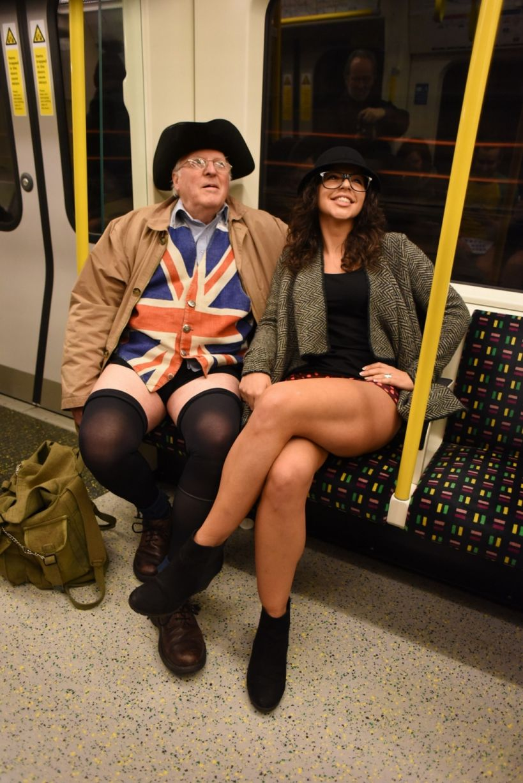 Λονδίνο/ Μικροί και μεγάλοι συμμετέχουν στον ιδιαίτερο θεσμό   Twitter